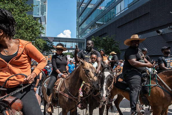 Horseback Riding「George Floyd's Family Joins March To Honor Him In Houston」:写真・画像(5)[壁紙.com]