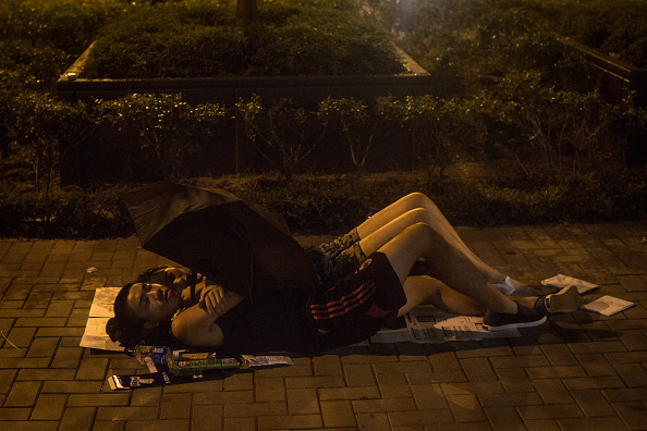 Footpath「Pro Democracy Supporters Attempt To Bring Hong Kong To A Stand Still With Mass Rally」:写真・画像(17)[壁紙.com]