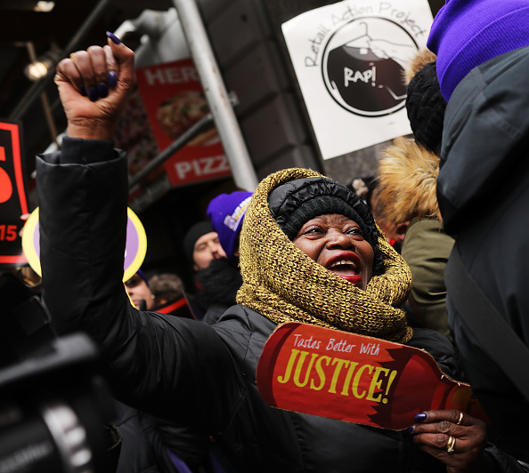 Fast Food「NYC Fast Food Workers Join Nationwide Protests Against Puzder Nomination」:写真・画像(13)[壁紙.com]