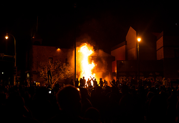 Minnesota「Protests Continue Over Death Of George Floyd, Killed In Police Custody In Minneapolis」:写真・画像(13)[壁紙.com]
