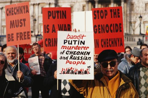 サングラス「Chechnyan Demonstration」:写真・画像(5)[壁紙.com]