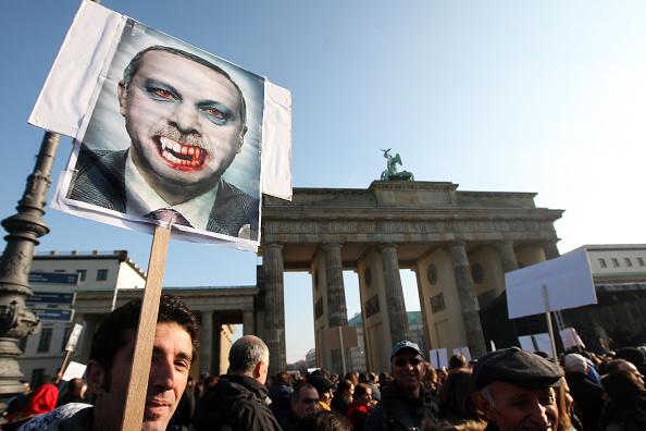 Visit「Demonstrators Protest Erdogan Visit」:写真・画像(15)[壁紙.com]