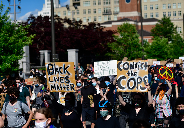 Center City - Philadelphia「Protests Continue In Philadelphia In Response To Death Of George Floyd In Minneapolis」:写真・画像(11)[壁紙.com]