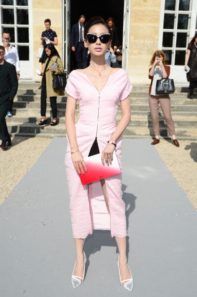 Angelababy「Christian Dior: Outside Arrivals - Paris Fashion Week Womenswear Spring/Summer 2014」:写真・画像(18)[壁紙.com]