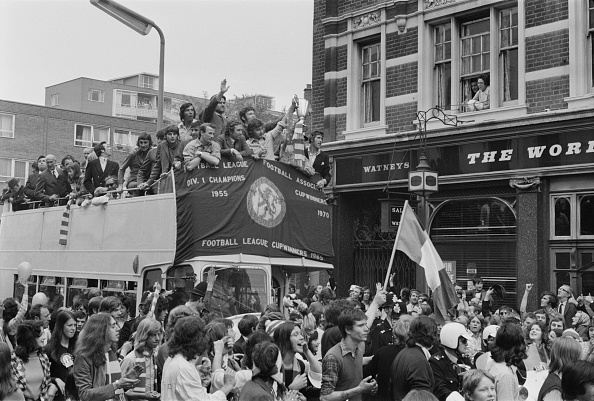 Double-Decker Bus「UEFA Cup Winners' Cup」:写真・画像(5)[壁紙.com]
