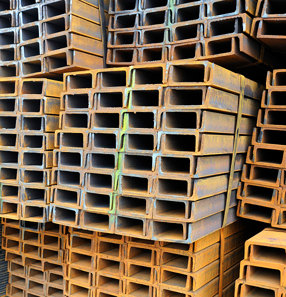 Full Frame「U-shaped bars on sale at a steel products construction market in Langfang, Hebei province, China」:写真・画像(11)[壁紙.com]