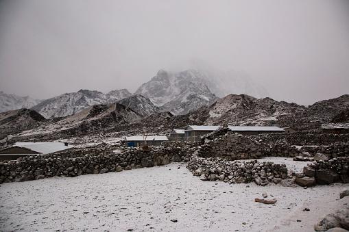 Khumbu「Thangnak village in the snow, Everest Base Camp via Gokyo Trek, Nepal」:スマホ壁紙(11)