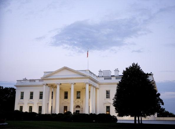 Joshua Roberts「As Default Deadline Nears, Congress Continues Debate Debt Ceiling Plan」:写真・画像(14)[壁紙.com]