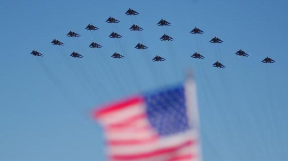 Landing - Touching Down「USS Enterprise's Black Aces Return to Home Port」:写真・画像(12)[壁紙.com]