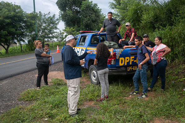 Guatemala「U.S. Immigration Agents Train Guatemalan Border Police In First Class Of New Program」:写真・画像(16)[壁紙.com]