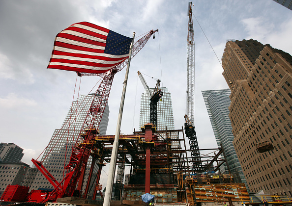 Construction Industry「Eight Years After September 11 Attacks, Re-Building Continues At WTC Site」:写真・画像(8)[壁紙.com]