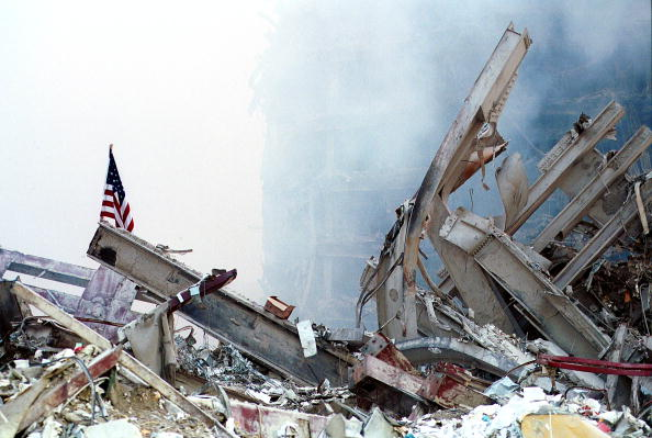 Tower「Ground Zero Two Days After World Trade Terror Attack」:写真・画像(10)[壁紙.com]
