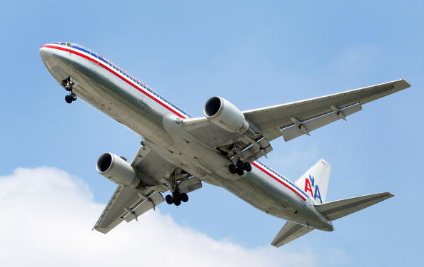 American Airlines「American Airlines Implements Service Fee」:写真・画像(1)[壁紙.com]