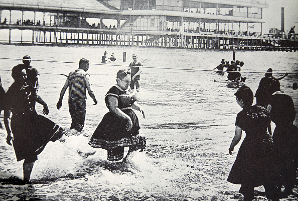 Rowing「An American Seaside Resort USA circa 1890」:写真・画像(14)[壁紙.com]