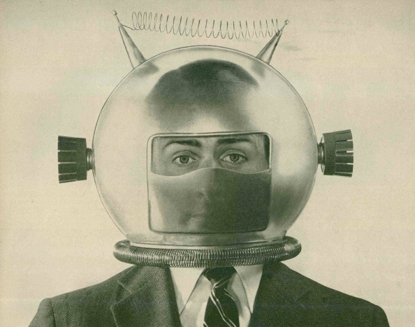 One Person「Man Wearing Space Helmet」:写真・画像(19)[壁紙.com]