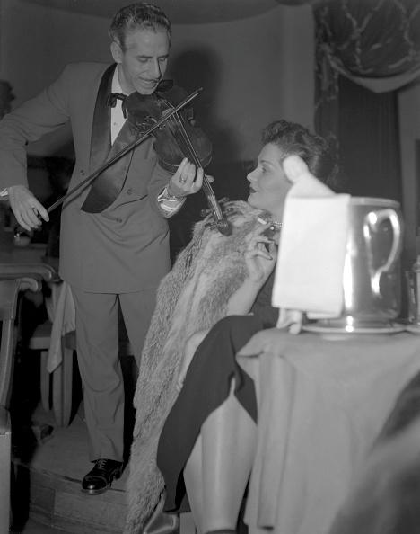 Lausanne「Listening To Violin」:写真・画像(19)[壁紙.com]