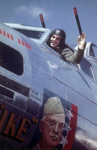 Explosive「Flying Fortress Pilot」:写真・画像(17)[壁紙.com]