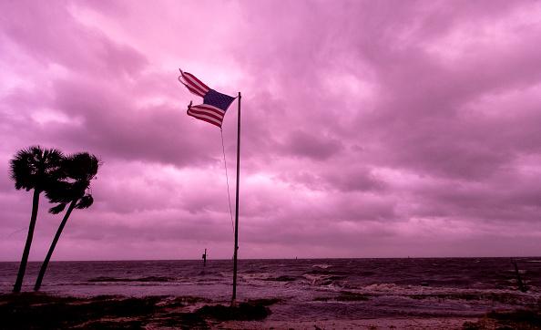Mark Wallheiser「Hurricane Michael Slams Into Florida's Panhandle Region」:写真・画像(1)[壁紙.com]