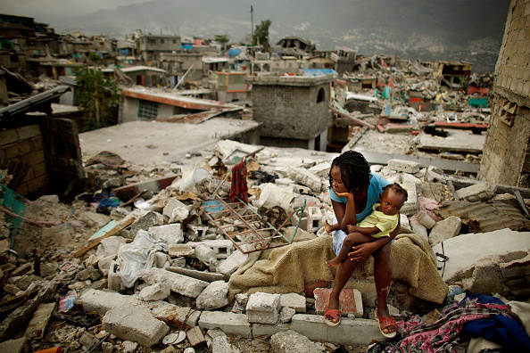 Rubble「Haitians Continue To Struggle One Month After Earthquake」:写真・画像(15)[壁紙.com]