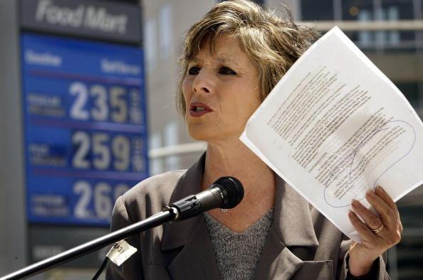 Boxer David Price「Barbara Boxer Addresses California's High Gas Prices」:写真・画像(5)[壁紙.com]