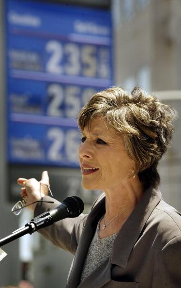 Boxer David Price「Barbara Boxer Addresses California's High Gas Prices」:写真・画像(7)[壁紙.com]