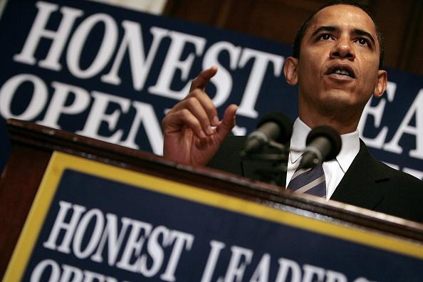 Transparent「Barack Obama Holds Press Conference On Government Ethics」:写真・画像(19)[壁紙.com]