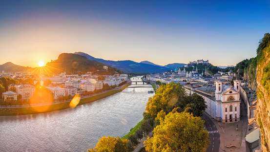 UNESCO「Salzburg at sunrise, Salzburger Land, Austria」:スマホ壁紙(2)
