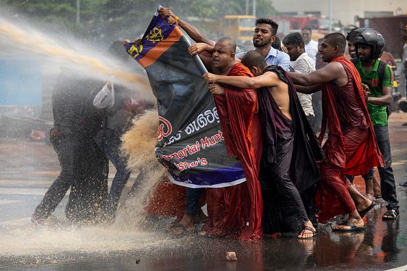 Sri Lanka「Sinhala Extremist Monks Protest In Colombo」:写真・画像(6)[壁紙.com]
