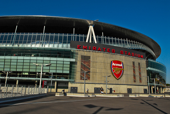 Outdoors「The Emirates Stadium in Ashburton Grove, north London, is the home of Arsenal Football Club. The stadium opened in July 2006, and has an all-seated capacity of 60,432, making it the second largest stadium in the Premiership after Manchester United's Old」:写真・画像(9)[壁紙.com]