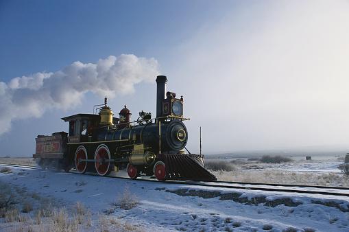 Effort「Union Pacific Locomotive 119 Moving Down the Tracks」:スマホ壁紙(7)