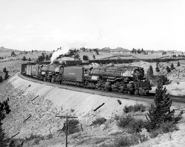 Steam Train「Union Pacific Railroad Company's 4-6-6-4 Challenger steam locomotive No.3999 ans 4-8-8-4 Big Boy Class steam locomotive No.4011 double heading on Sherman Hill」:写真・画像(8)[壁紙.com]