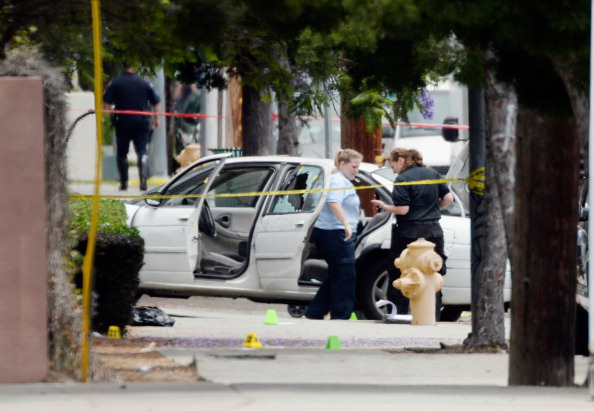 Land Vehicle「Manhunt Underway In Los Angeles After Shots Fired At Two Detectives」:写真・画像(6)[壁紙.com]