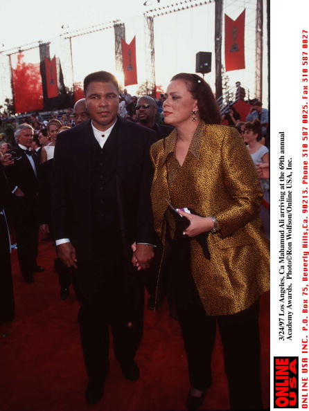 Lonnie Ali「3/24/97 Los Angeles, Ca Muhammud Ali with his wife, Lonnie at the 69th annual Academy Awards. Photo 」:写真・画像(3)[壁紙.com]