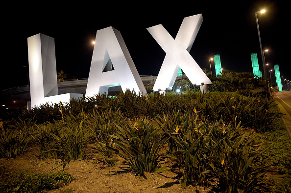 LAX Airport「National Landmarks Illuminated Across U.S. To Shine Light On Ebola Crisis And Show Solidarity With West Africa」:写真・画像(10)[壁紙.com]