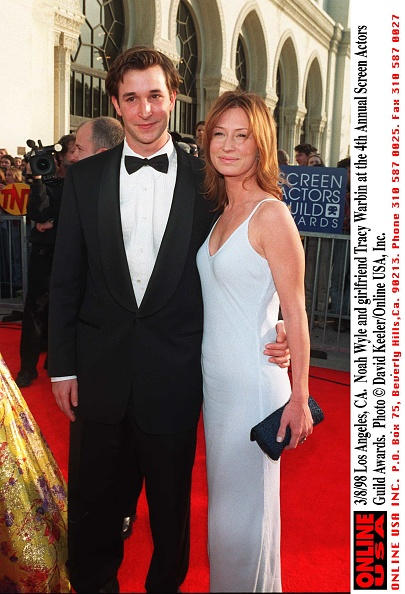 David Keeler「3/8/98 Los Angeles, CA. Noah Wyle and girlfriend Tracy Warbin at the 4th Annual Screen Actors Guild 」:写真・画像(10)[壁紙.com]