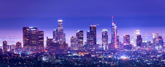 Urban Skyline「Los Angeles Downtown at dusk, California stock photo」:スマホ壁紙(3)