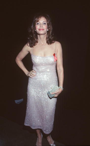 Jaclyn Smith「Jaclyn Smith At The 5Th Annual Screen Actors Guild Award」:写真・画像(9)[壁紙.com]
