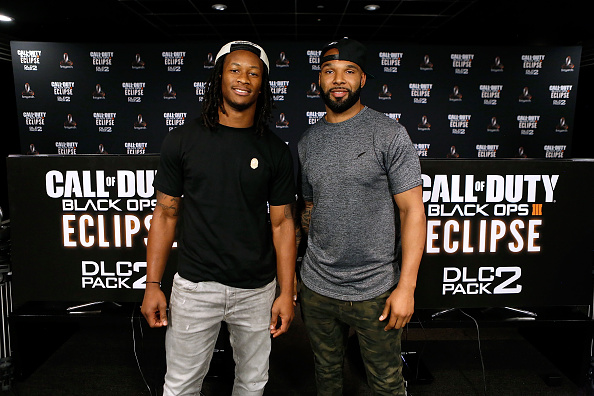 NFC West「Los Angeles Rams Running Back Todd Gurley Goes Head-To-Hear Against New York Jets Running Back Matt Forte In Call Of Duty: Black Ops3 To Celebrate The Launch Of Eclipse DLC」:写真・画像(16)[壁紙.com]