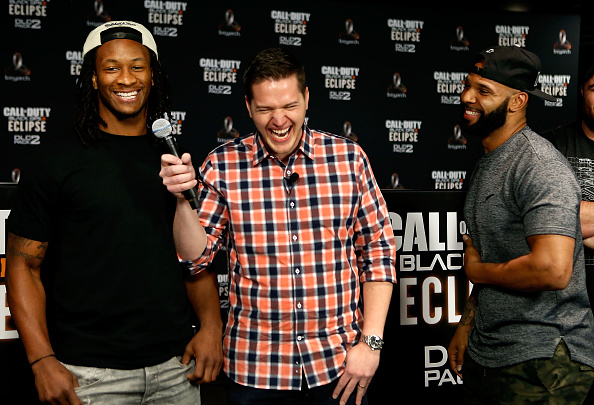 NFC West「Los Angeles Rams Running Back Todd Gurley Goes Head-To-Hear Against New York Jets Running Back Matt Forte In Call Of Duty: Black Ops3 To Celebrate The Launch Of Eclipse DLC」:写真・画像(14)[壁紙.com]