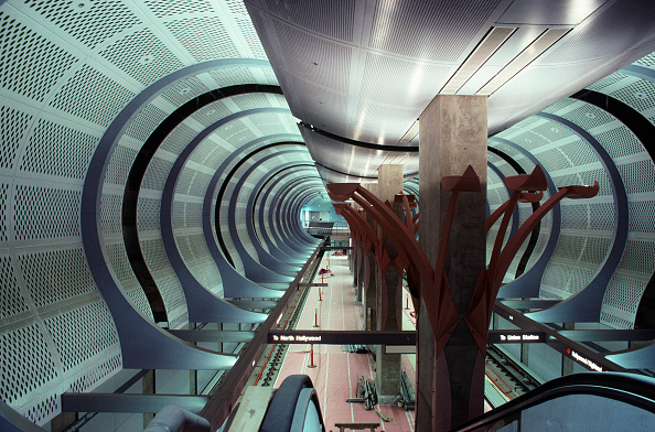 Construction Industry「Los Angeles Metro. Fit out work on the station tunnel ceiling space」:写真・画像(8)[壁紙.com]