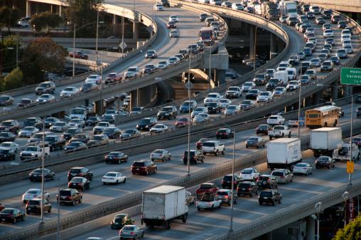 Elevated Road「Los Angeles freeway traffic」:スマホ壁紙(2)