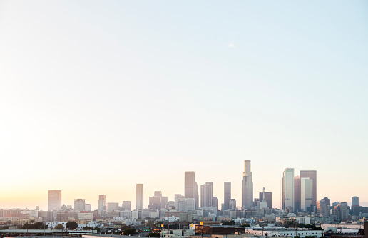 昼間「Los Angeles city skyline and clear sky, California, United States」:スマホ壁紙(18)