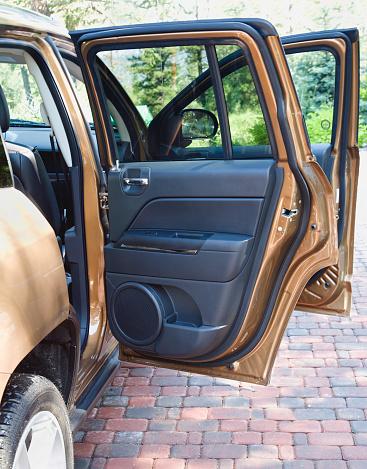 Vehicle Door「Open Doors Of New SUV 4 Wheel Drive」:スマホ壁紙(14)