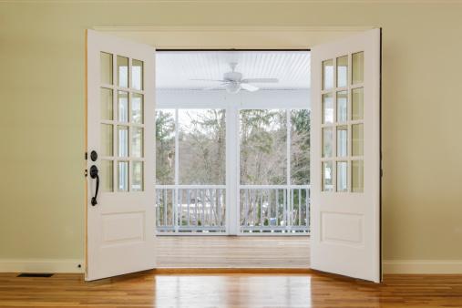 Ceiling Fan「Open doors to outdoor living space」:スマホ壁紙(5)