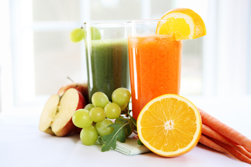 Vegetable Juice「Fresh juice in glasses surrounded by fruits and vegetables」:スマホ壁紙(15)