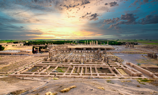 Iran「The ruins of the acient city Persepolis at sunset, Iran」:スマホ壁紙(7)