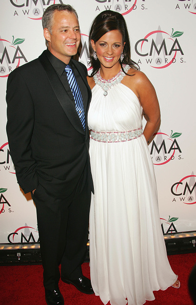 Guest「39th Annual Country Music Association Awards - Arrivals」:写真・画像(14)[壁紙.com]