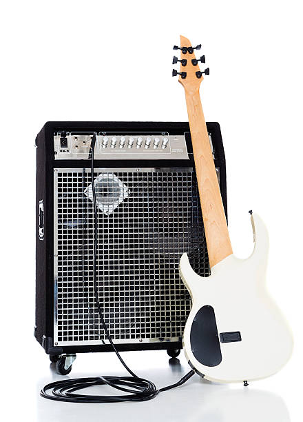 Bass Guitar and Amp:スマホ壁紙(壁紙.com)