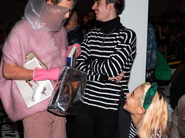 ロンドンファッションウィーク「Backstage at London Fashion Week」:写真・画像(8)[壁紙.com]