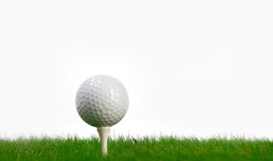 Taking a Shot - Sport「White Golf Ball and tee on green grass」:スマホ壁紙(12)